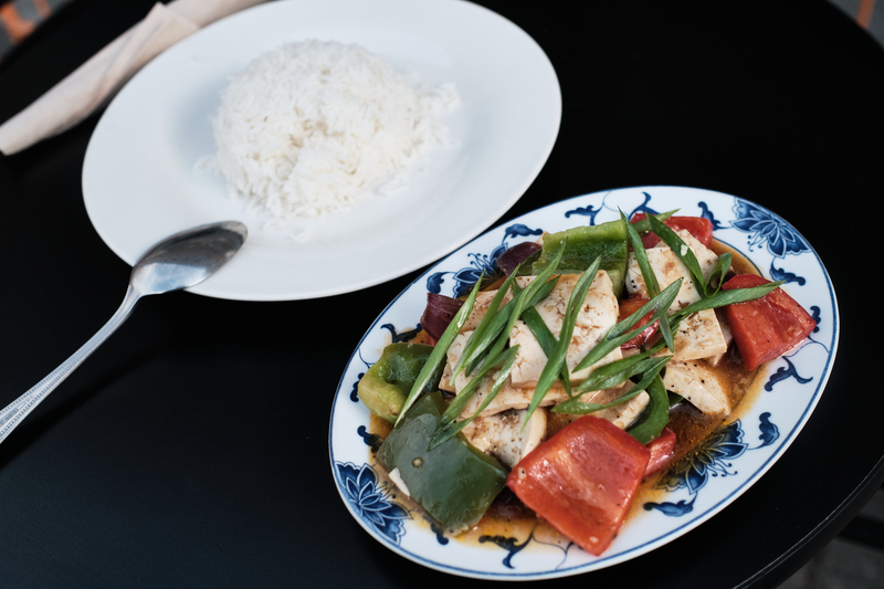 Sha-tak, made with sliced tofu, tomatoes, scallion and bell peppers from Cafe Tibet in Berkeley. Photo: Pete Rosos