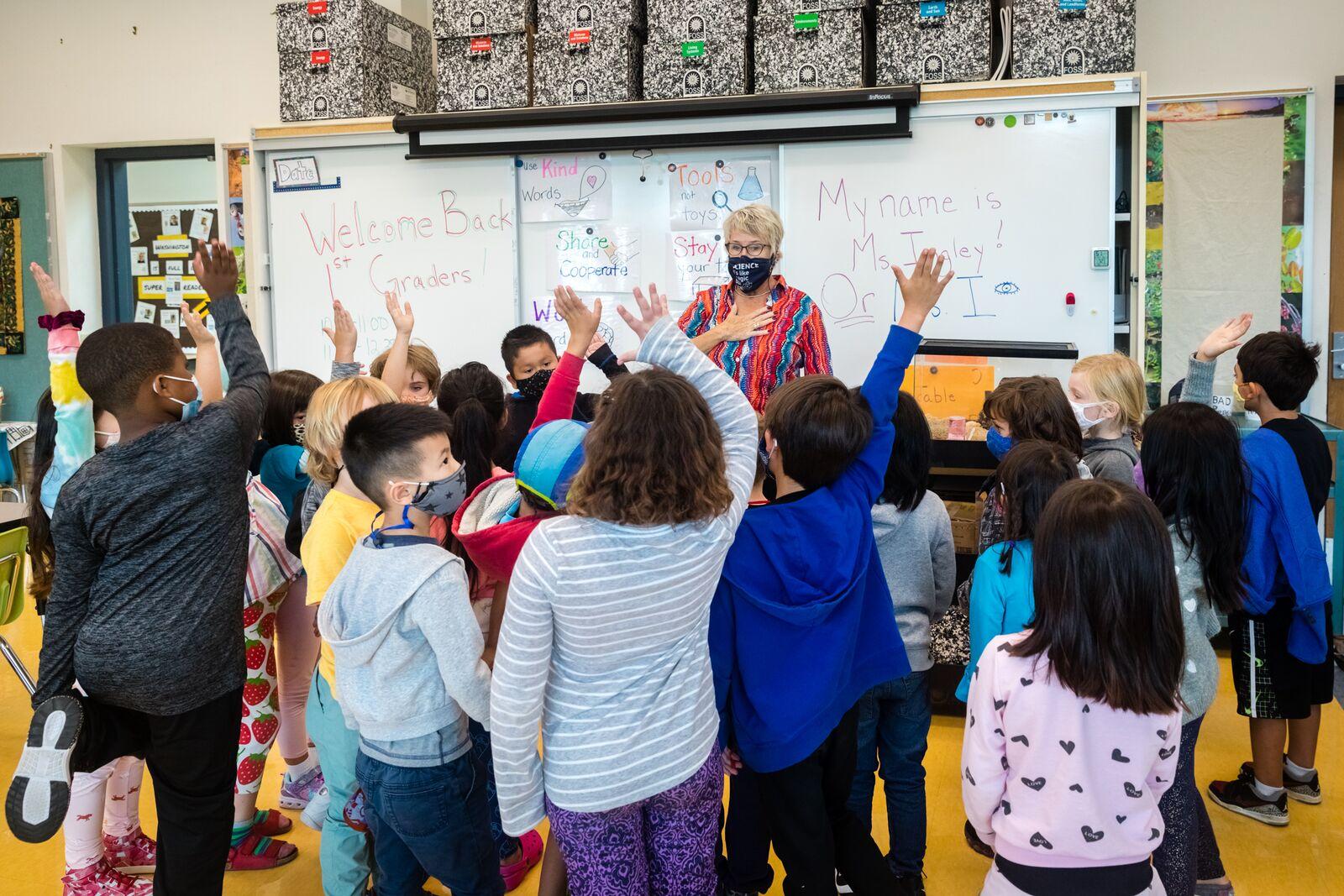 Washington Elementary School 1st grade teacher Ms. Ingley instructs students on August 16, 2021. Credit: Kelly Sullivan