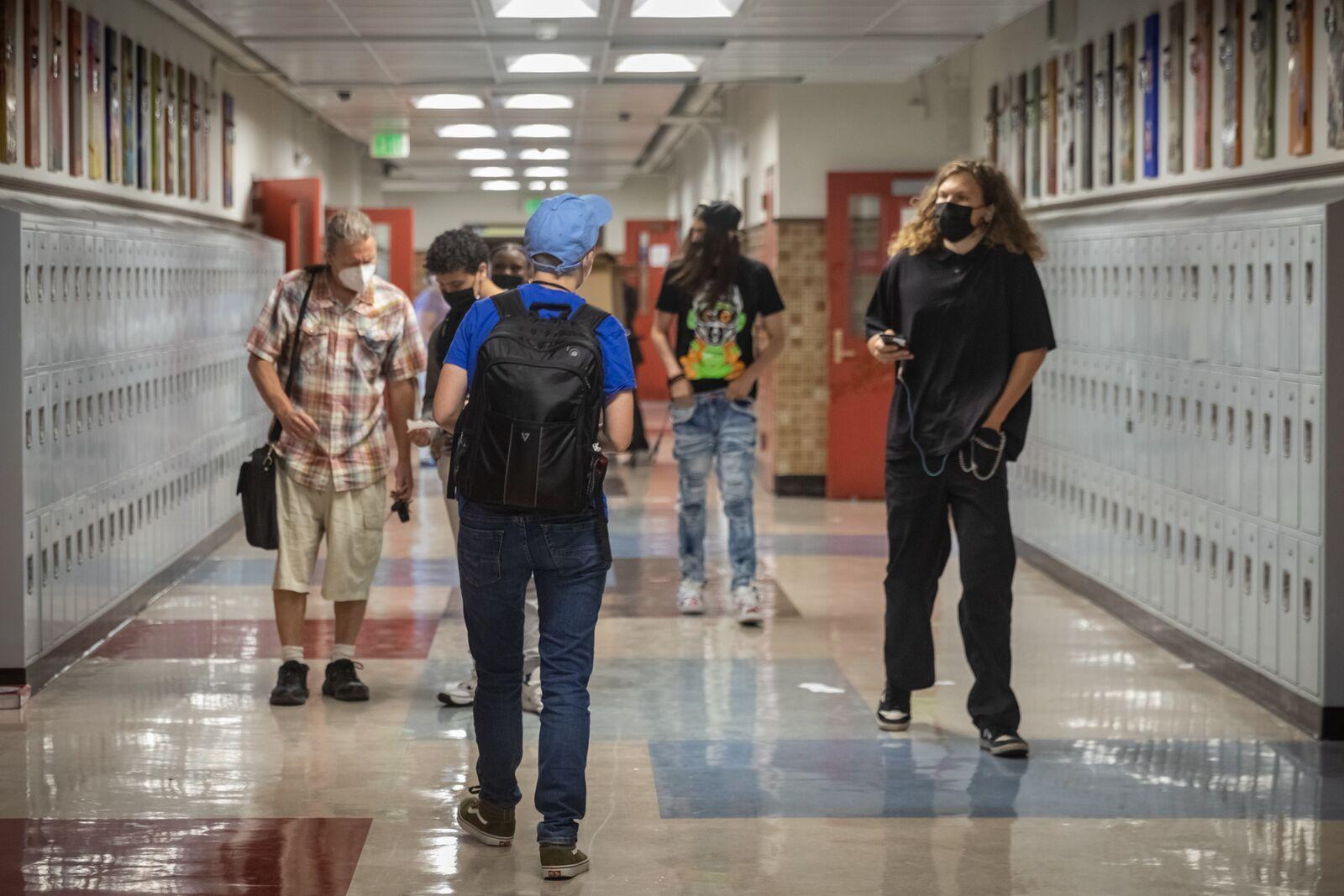 Students in the hallway of Berkeley High School on Aug. 16, 2021. Credit: Kelly Sullivan